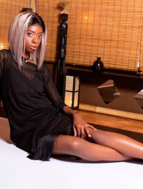 nancy-lingam-massage-budapest-sexy-black-masseuse-girl-01