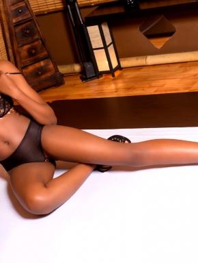 nancy-lingam-massage-budapest-sexy-black-masseuse-girl-07