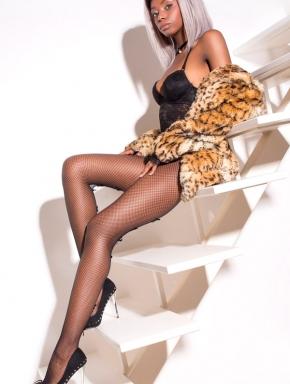 nancy-lingam-massage-budapest-sexy-black-masseuse-girl-09