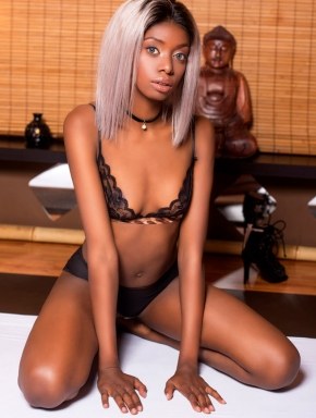 nancy-lingam-massage-budapest-sexy-black-masseuse-girl-06