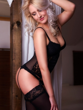 Flora is a beautiful, certified, experienced erotic masseuse.