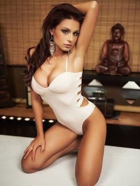 szilvi-lingam-massage-budapest-sensual-parlor-exotic-tiny-masseuse-big-boobs-01