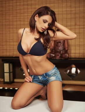 szilvi-lingam-massage-budapest-sensual-parlor-exotic-tiny-masseuse-big-boobs-06