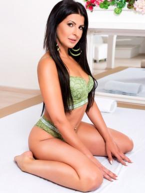 Tekla-oily-erotic-massage-in-budapest-cute-masseuse-nuru-slippery10