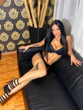 tiffany-sexy-exotic-beauty-sensual-massage-in-budapest-04