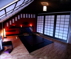 Tatami is the best to use for massage as it relieves spine pressure and joint tension.